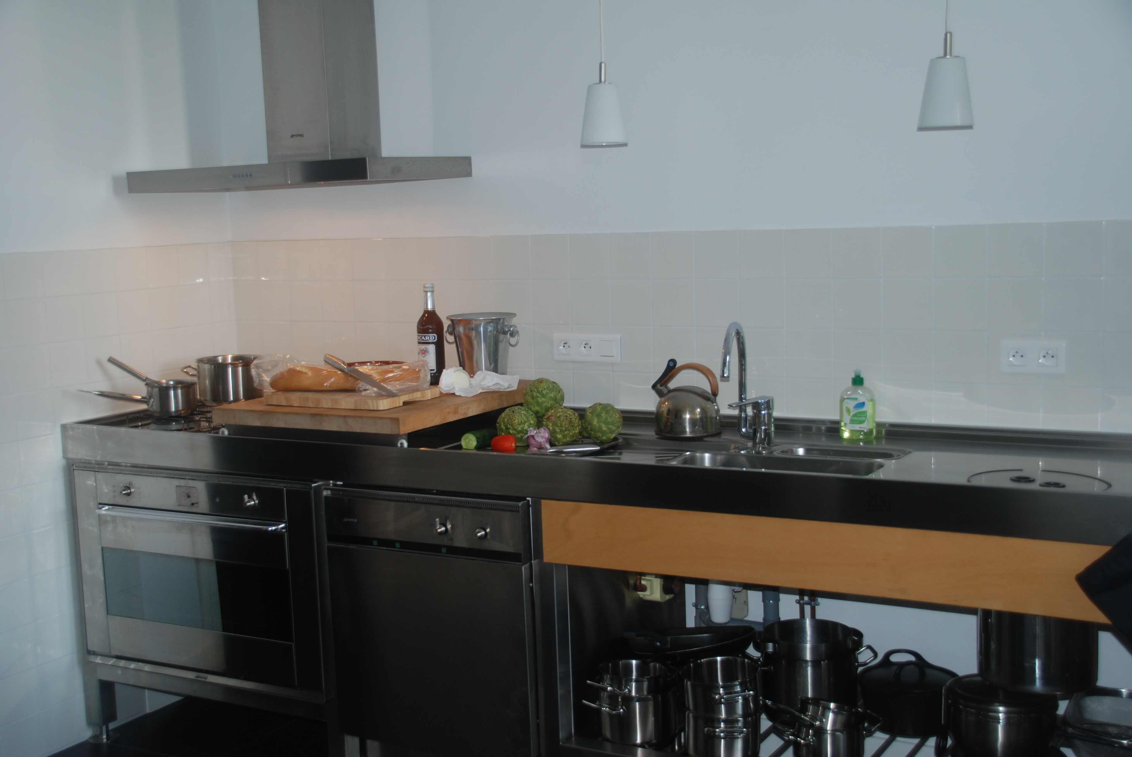 Chateau Les Bardons with complete kitchen