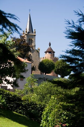 During your stay at Chateau Les Bardons you can visit some different villages