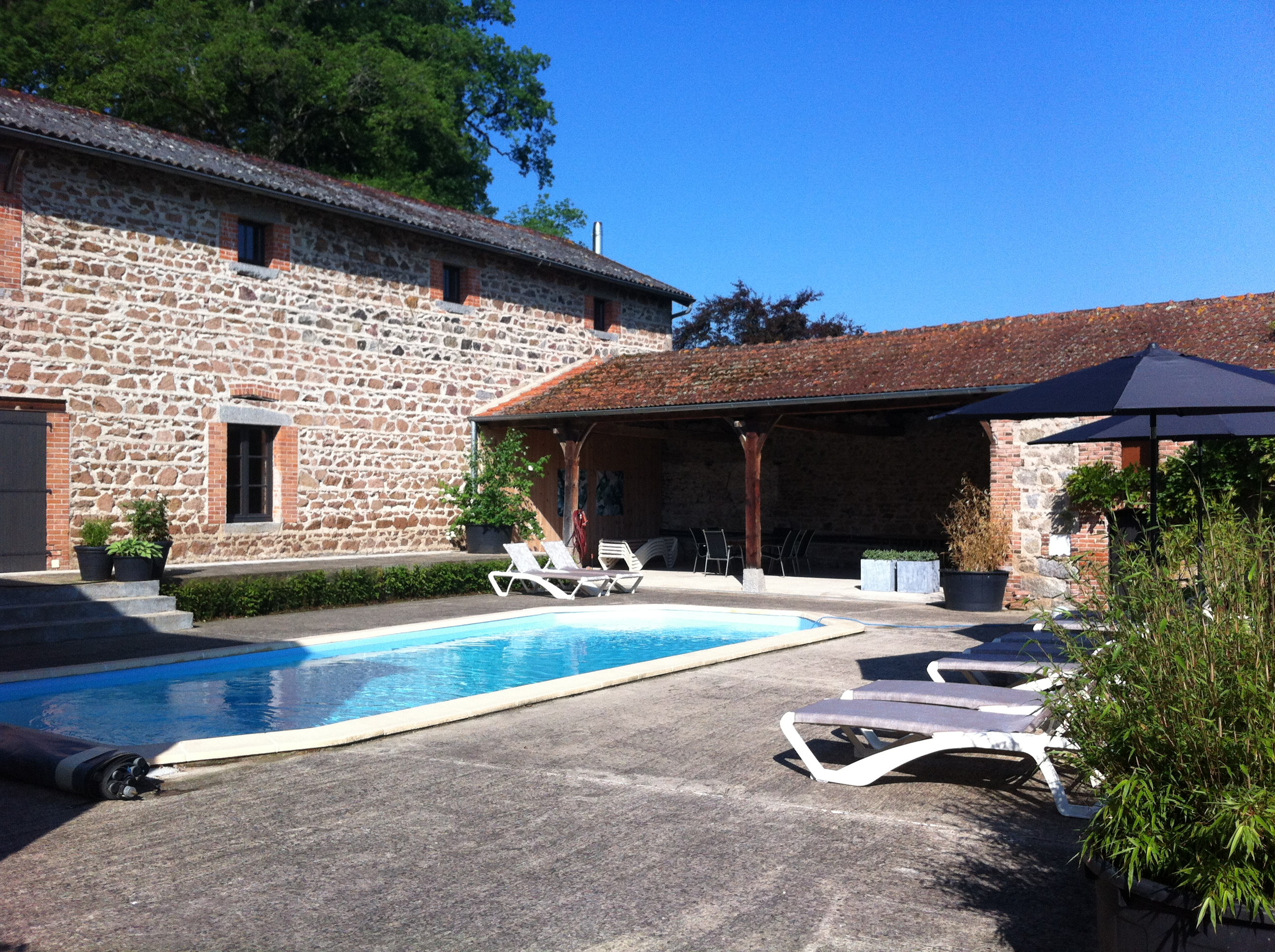 Heated swimmingpool at Les Bardons