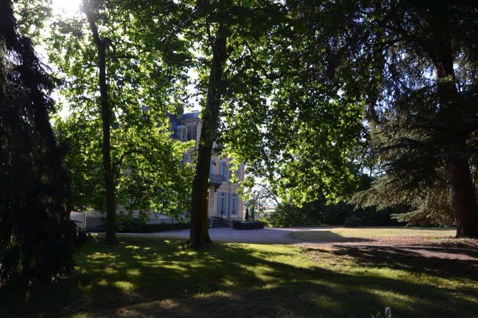 Facade Chateau Les Bardons